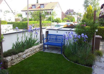 Kleiner Garten mit gemütlicher Sitzecke